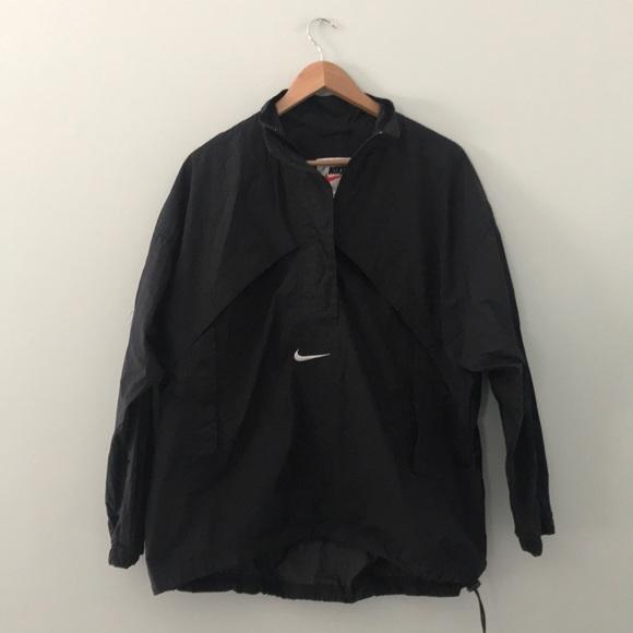 50b4d84e5649 Vintage Nike black half zip pullover windbreaker. M 5b2bf134df0307edc9e357df